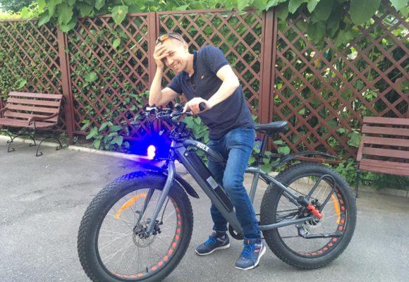 Вкрали електровелосипед за 30 тисяч. Власник має свідків та претензії до поліції