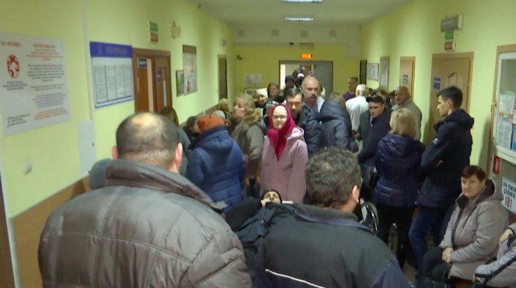 21 аварія та переповнений травмпункт: Вінниця потерпає від ожеледиці