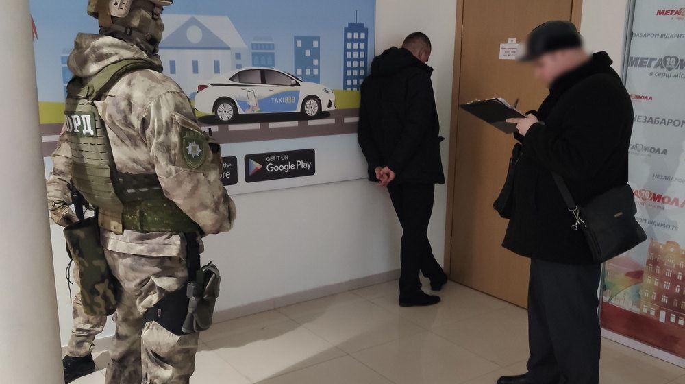 Рекет у Вінниці: підозрюваного затримали у «Мегамолі»