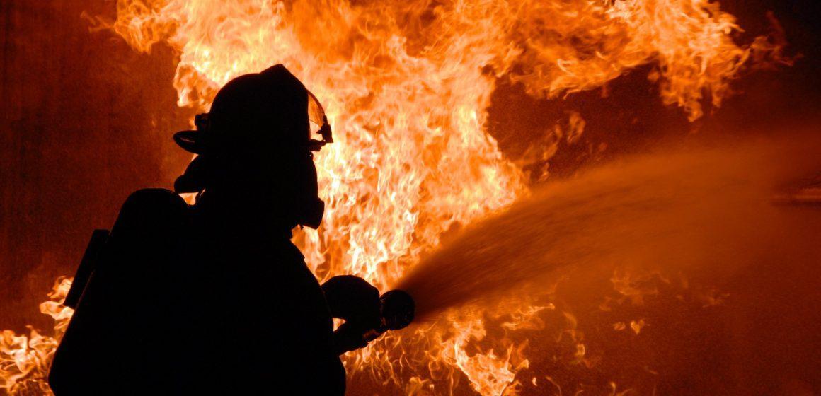 Вінницькі рятувальники зупинили три пожежі за добу