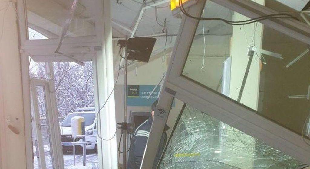 """У Вінниці підірвали банкомат """"Ощадбанку"""""""