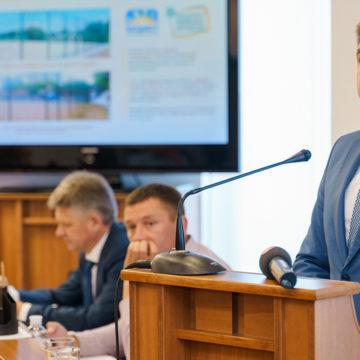 Віталій Погосян йде з посади директора департаменту економіки і інвестицій