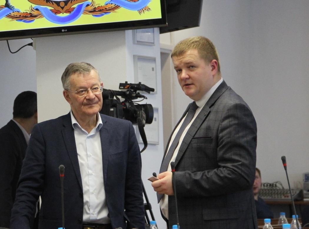 У мера Вінниці новий заступник,   а у міськраді – нові депутати