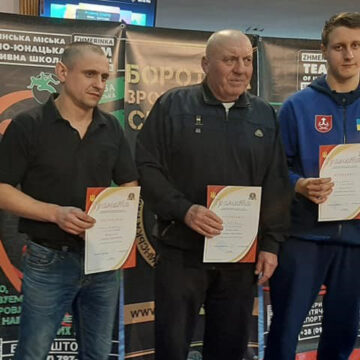 Перше місце у Чемпіонаті області з греко-римської боротьби взяла команда з Вінниці