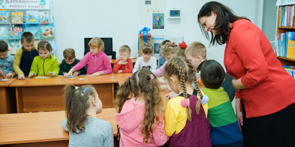 У бібліотеках Вінниці навчають користуватись мобільними додатками