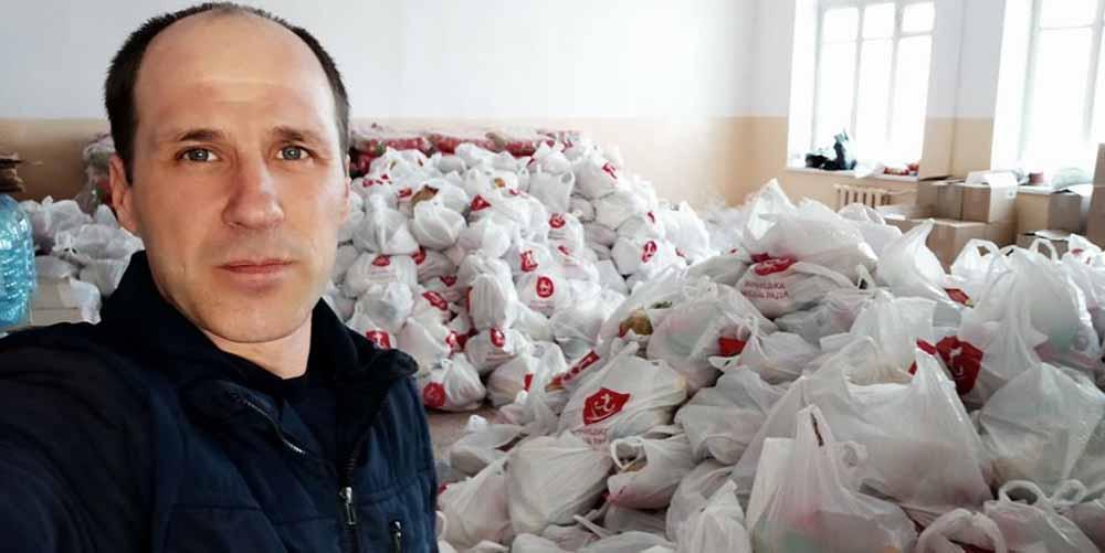 """У Вінниці волонтери """"Спільної справи"""" долучились до доставки харчових наборів"""