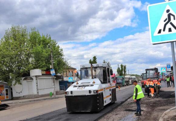 Завершили поточний середній ремонт траси біля Немирова