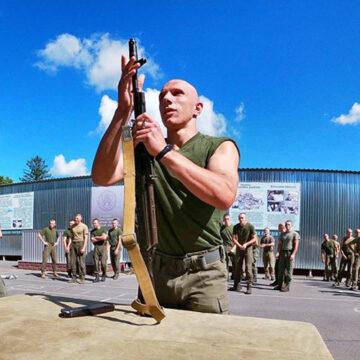 Як пройшли змагання зі спортивної естафети в Калинівському полку