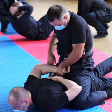 Вінницькі поліцейські проходять тестування зі службової підготовки