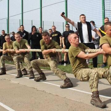 В рамках навчань «Rapid Trident 2020» провели спортивні змагання серед військових