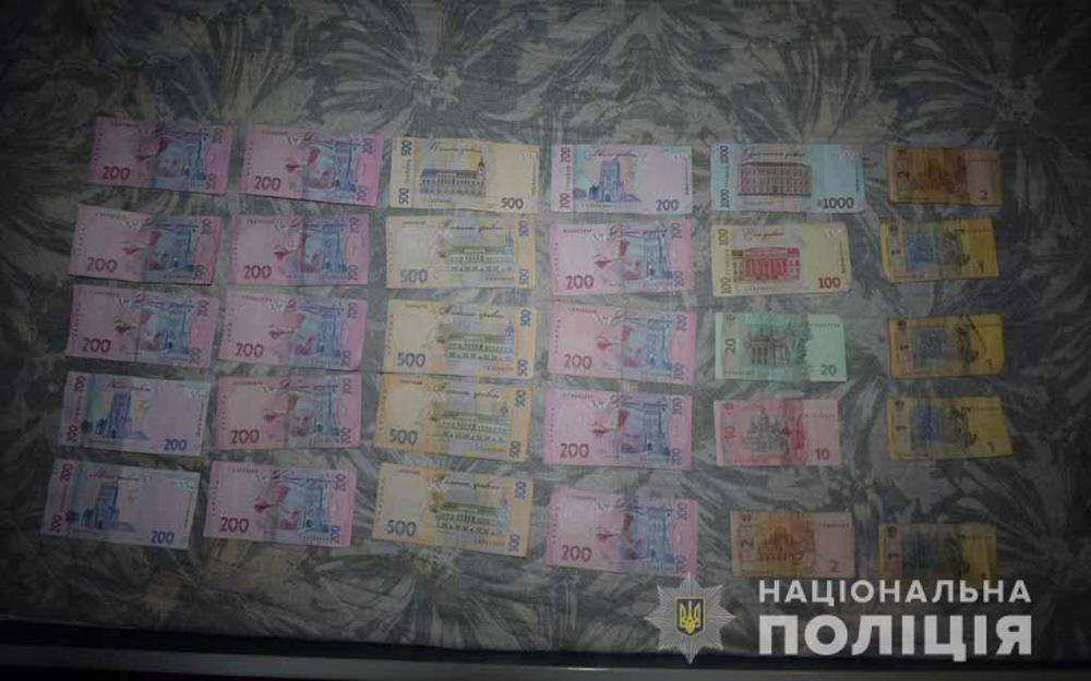 Кава з «бонусом»: в одному з вінницьких закладів на 7 тисяч гривень ошукали баристу