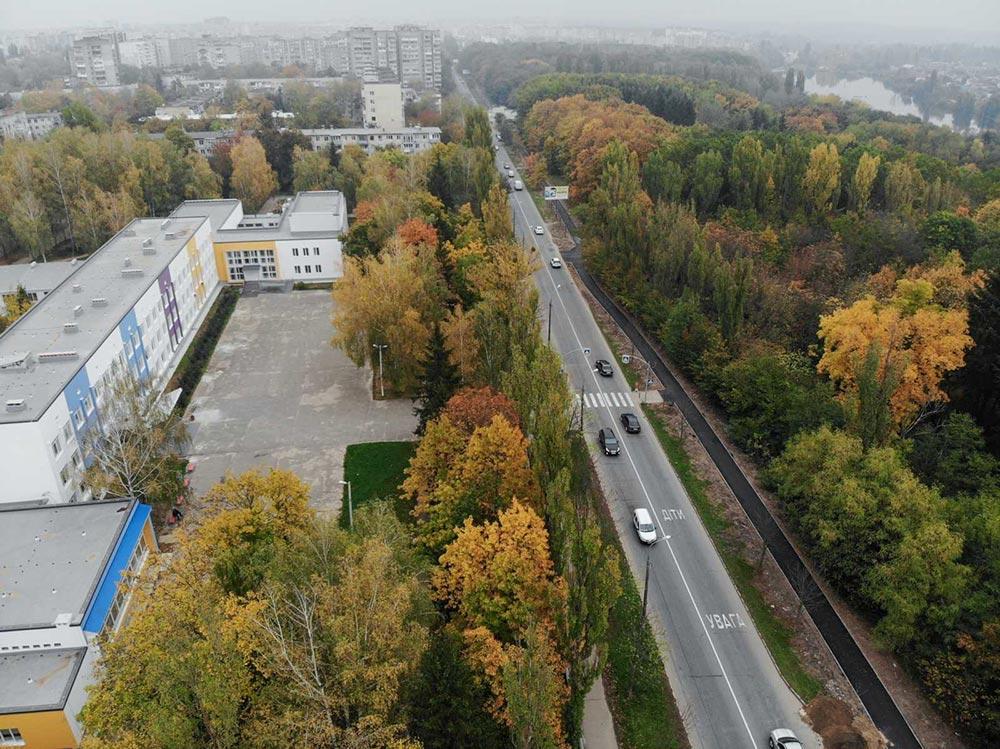 У місті продовжується ремонт тротуарів – нещодавно завершились роботи по Немирівському шосе та вул. Некрасова