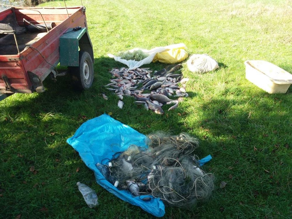 На Вінниччині рибалка за допомогою сіток виловив 25 кг риби і… штраф