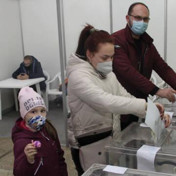 Вибори у Вінниці: маски, скриньки, бюлетені, кандидати...