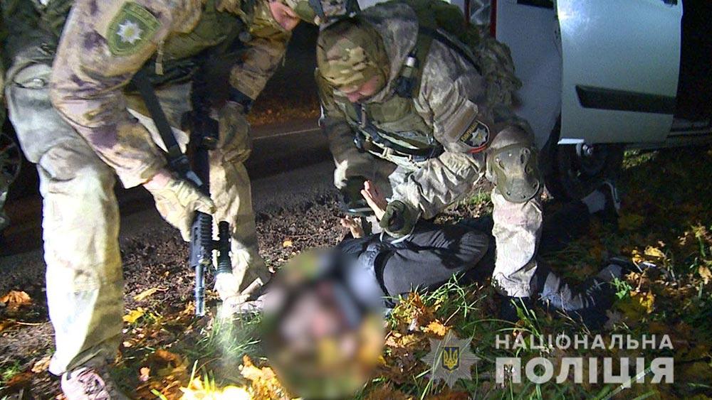 Викрали та катували людей: на Вінниччині правоохоронці затримали групу злочинців
