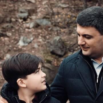 """""""Нехай в ці світлі дні наші серця наповнює любов – до людей, до життя і до України"""" – Гройсман"""