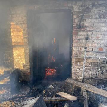 Підліток героїчно врятував сестру з палаючого будинку на Вінниччині