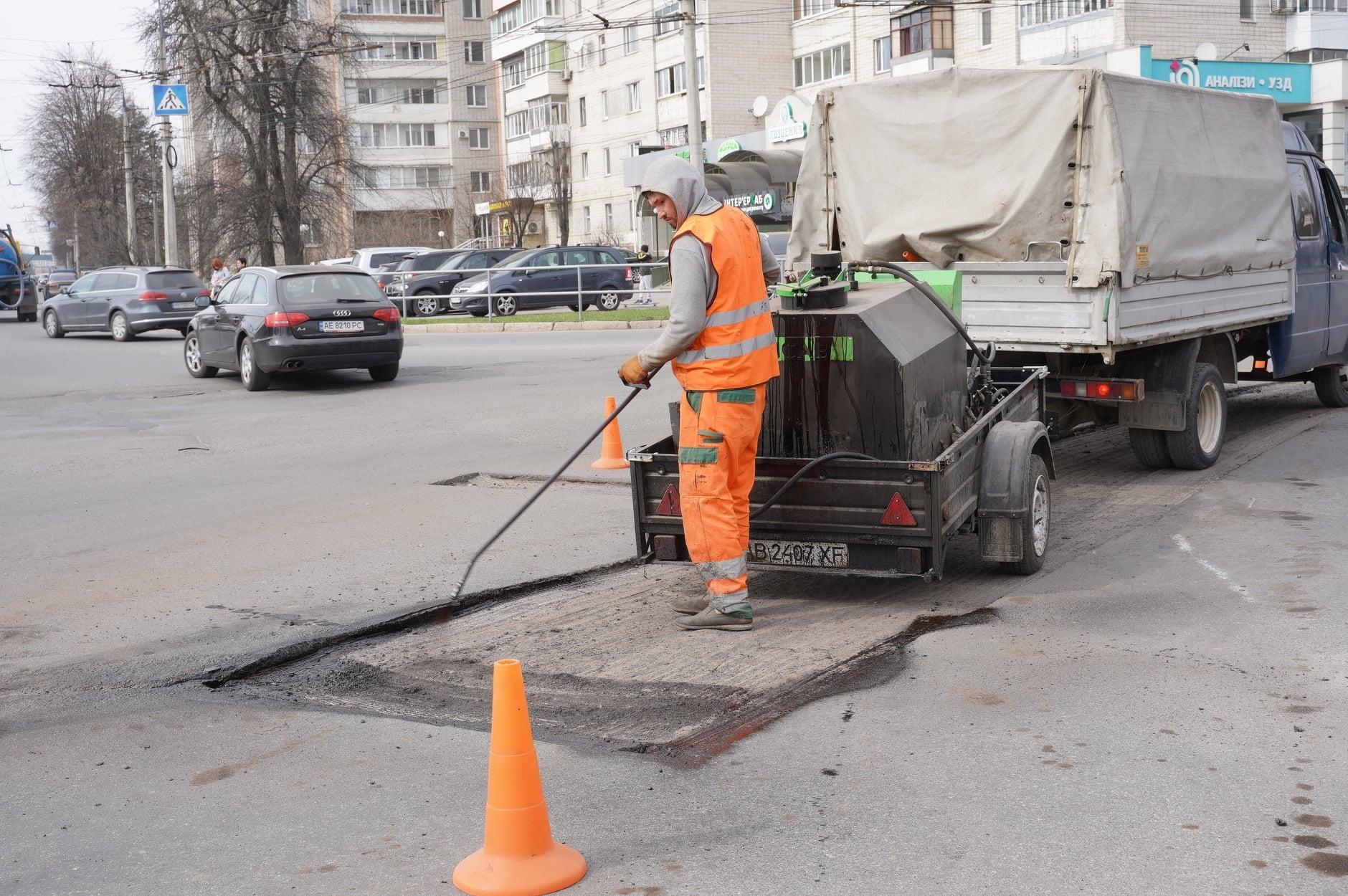 """""""Генеральне"""" прибирання триває у Вінниці"""
