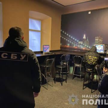 У Вінниці затримали жінку, яку підозрюють у збуті важких наркотиків