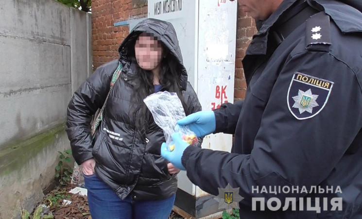 Суд оголосив вирок жінці, яка розповсюджувала наркотики у Вінниці