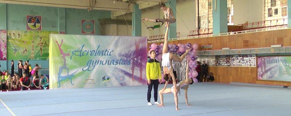 У Вінниці розпочався чемпіонат України зі спортивної акробатики серед юнаків