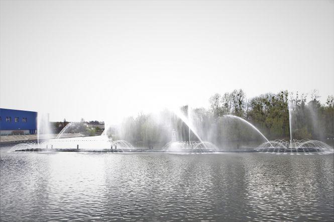 У Вінниці запрацював фонтан «Рошен» та відновив роботу теплохід