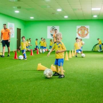 """У Вінниці працює школа футболу """"Junior Football School"""""""