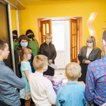 Вінницький дитячий будинок сімейного типу отримав подарунки та солодощі до Дня захисту дітей