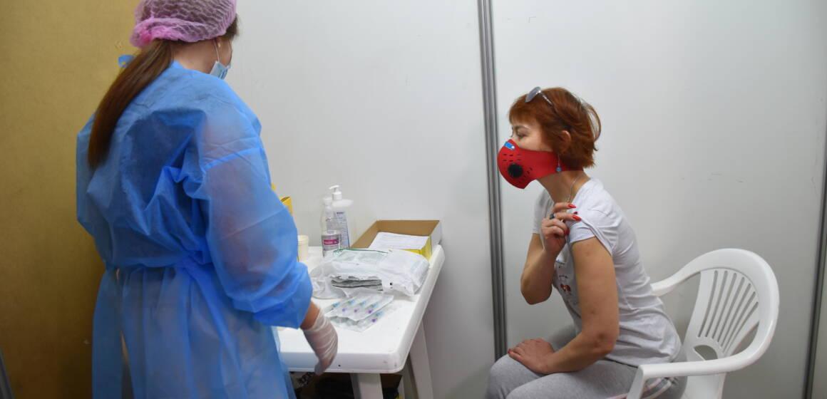 Центр вакцинації від коронавірусу розпочав роботу у Вінниці