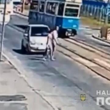 У ДТП на Батозькій постраждало дві людини