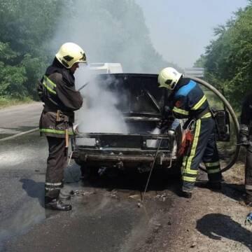 У Вінниці загорівся автомобіль
