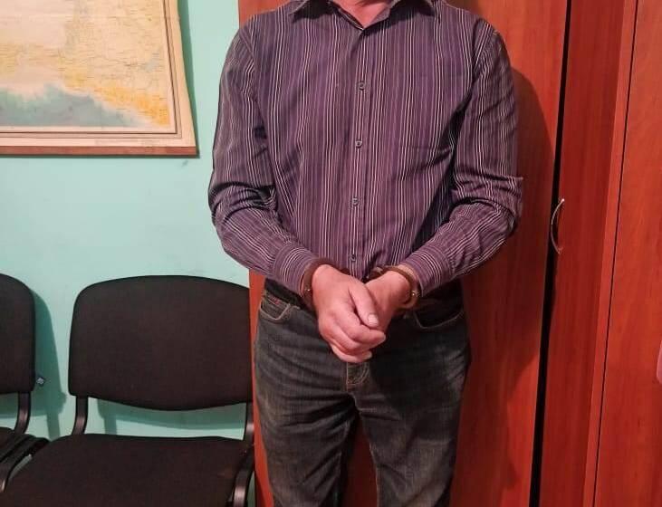 У Вінницькій області затримали чоловіка за підозрою у розбещенні неповнолітніх