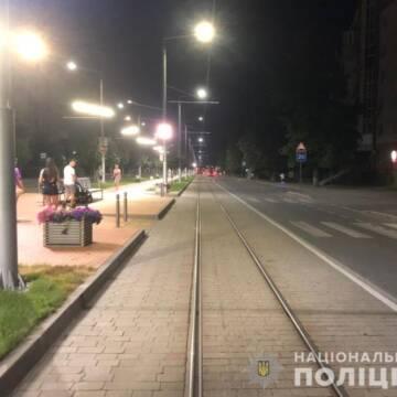 У Вінниці чоловік потрапив під колеса трамваю