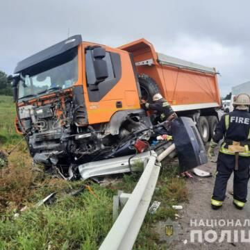 Моторошна ДТП у Вінницькій області: загинуло троє людей, одна з них неповнолітня
