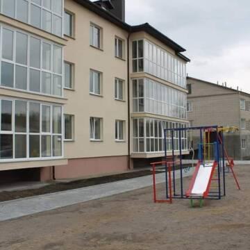 Десяток родин з Вінниччини отримали службове житло у новобудові